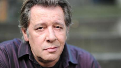 """Jan Fedder bei den Dreharbeiten zu """"Der Hafenpastor"""". Er starb im Alter von 64 Jahren in Hamburg."""