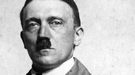 Hitler 1920: Der erste große Auftritt am 20. August im Münchner Hofbräuhaus.