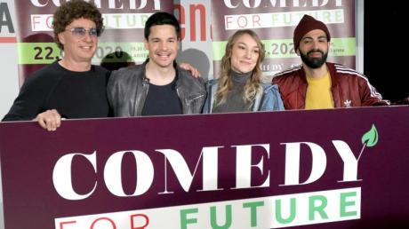"""Die Comedians Atze Schröder, Alan Frei, Jacqueline Feldmann und Benaissa Lamroubal (l-r) stellten das Projekt """"Comedy for Future"""" vor."""