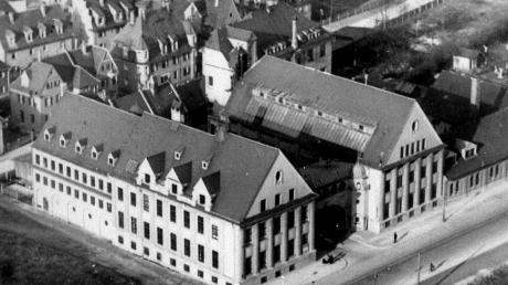 Luftaufnahme von 1933 vom damaligen Kuka-Firmenareal an der Ulmer Straße. Die großen Gebäude blieben erhalten.