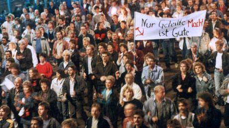 Zu Tode gesiegt? Vor 30 Jahren gewann die Demokratie den Systemkonflikt – und geriet darüber selbst in die Krise.