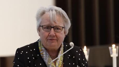 """Annette Schavan hielt in St. Moritz die Theaterpredigt zur Oper """"Der Konsul"""""""