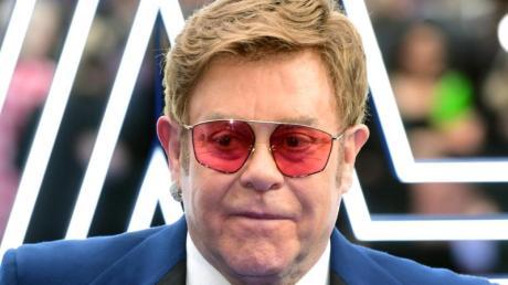 Sir Elton John musste ein Konzert in Auckland abbrechen.