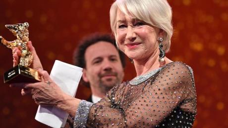 Der Goldene Ehrenbär wird Helen Mirren verliehen.