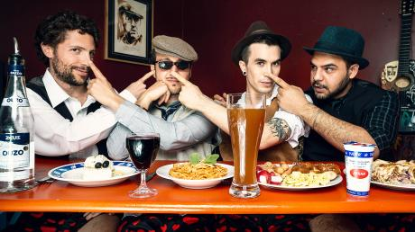 Die MHA–Mitglieder von links nach rechts: Marco Flamenco, Fil Mathieu, Philippo Gufo und Hasan Mahmoud.