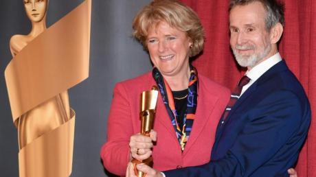 Kulturstaatsministerin Monika Grütters und Ulrich Matthes, Präsident der Deutschen Filmakademie, bei der Bekanntgabe.