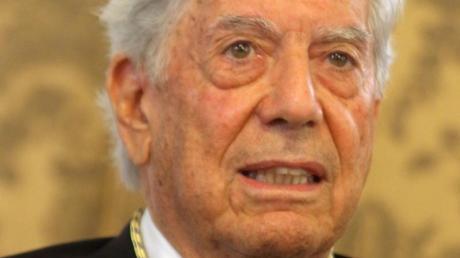 Der peruanische Schriftsteller und Literaturnobelpreisträger Mario Vargas Llosa war schon immer ein politischer Autor.