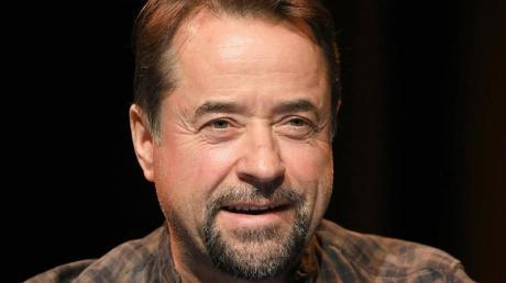 Der Schauspieler und Musiker Jan Josef Liefers hat keine Scheu vor Leichen.