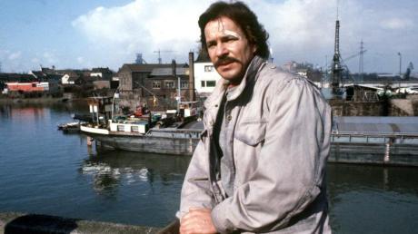 Götz George in seiner Rolle als «Tatort»-Kommissar Schimanski 1981 bei Dreharbeiten.