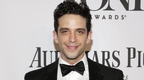 Nick Cordero, in Kanada geborener Schauspieler, ist im Alter von 41 Jahren in Los Angeles gestorben.