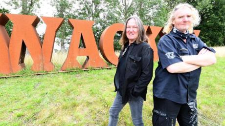 Thomas Jensen (r) und Holger Hübner, Veranstalter des WOA, lassen das Festival Corona-bedingt als Online-Event starten.