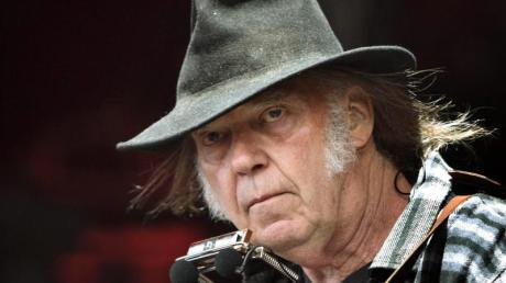 Rockstar Neil Young klagt gegen US-Präsident Donald Trump.