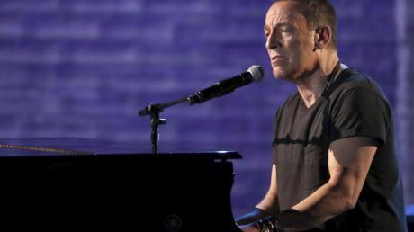 Bruce Springsteen kehrt mit Verstärkung zurück: Als Frontmann seiner vor rund 45 Jahren gegründeten E Street Band legt er im Oktober sein neues Album «Letter To You» vor.