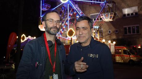 Sie lieben das Spektakel; die Festivalmacher Tom Kühnel (links) und Jürgen Kuttner beim Brecht-Festival 2019 im Martinipark.