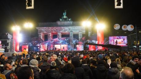So wird es diesmal nicht werden: Tausende Menschen feiern 2019 Silvester am BrandenburgerTor.