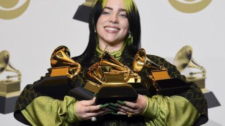 Billie Eilish gewann fünf Grammys und stieg 2020 zum absoluten Superstar auf.