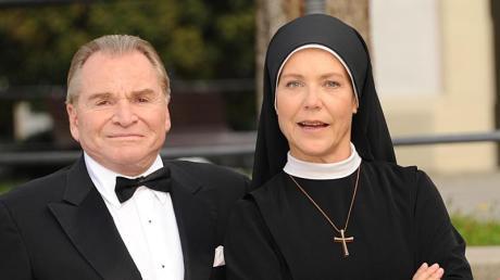 Die letzte Staffel von «Um Himmels Willen» läuft an. Mit dabei:Fritz Wepper als Bürgermeister Wolfgang Wöller und Janina Hartwig als Schwester Hanna.