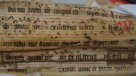 """So schaut das Fragment """"Confitebor tibi"""" aus, das Hans Ganser nicht nur transkribiert, sondern auch auf der CD eingesungen hat (die beiden ersten Zeilen des Fragments)."""