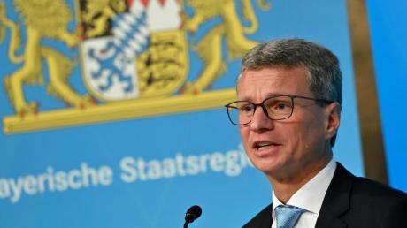 Bernd Sibler (CSU) freut sich, dass Staatstheater wieder öffneten - die freie Kulturszene kommt in seinem Statement kaum vor.
