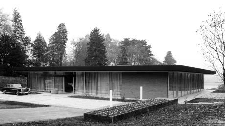 Im Auftrag von Ludwig Erhard entwarf Architekt Sep Ruf in den frühen 1960er Jahren den Kanzler-Bungalow in Bonn – mit seinen offenen Glasfronten ein Sinnbild für das demokratische Deutschland.