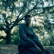 """Die Südafrikanerin Thuso Mbedu stellt den Schmerz, den Überlebenswillen und die Transformation ihrer Figur in """"The Railroad Underground"""" mit einer ungeheuren, schauspielerischen Bandbreite dar."""