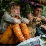 Die junge Viola (Daisy Ridley) ist die erste Frau, der Todd Hewitt (Tom Holland) begegnet.