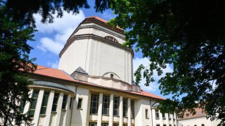 Nach rund 30 Jahren schrittweiser Sanierung wird die Görlitzer Synagoge als Kulturforum Synagoge Görlitz wiedereröffnet.