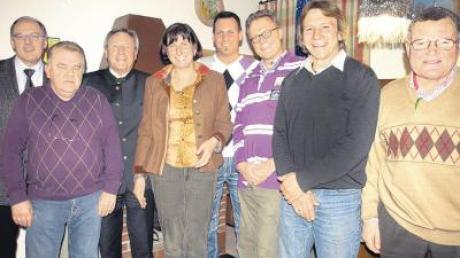 Die Führungsriege des CSU-Ortsverbandes Igling-Holzhausen (von links): Franz Hutter, Hans Langschwert, Walter Eichner, Dr. Gudrun Sowa, Björn Nawratil, Jürgen Wieland, Benno Gerum und Hans Trommer. Es fehlt Alois Riedl.