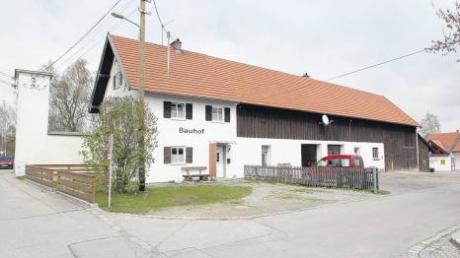 Der Bauhof in Penzing ist in die Jahre gekommen. Penzings Zweiter Bürgermeister Manfred Schmid sieht hier noch größeren Sanierungsbedarf als beim Rathaus.