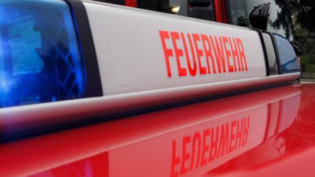 Bei Penzing ist am Sonntag eine Feldscheune in Brand geraten.