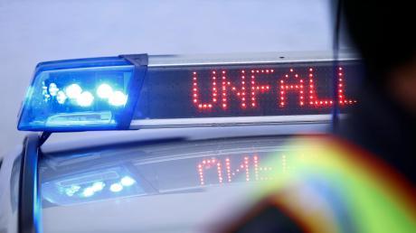In Nördlingen hat sich ein Unfall zwischen einem Rennrad- und einem Autofahrer ereignet. (Symbolbild)