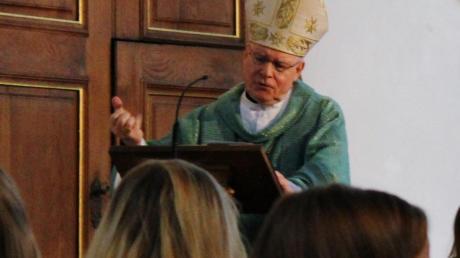 Bischof Dr. Konrad Zdarsa während seiner Predigt in der Eglinger Pfarrkirche St. Vitus.