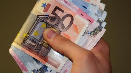 Greift die Stadt Landsberg jetzt doch in ihre Kasse, um die seit 2013 angelaufenen Derivat-Verluste auszugleichen, um weitere Zinsbelastungen zu vermeiden?