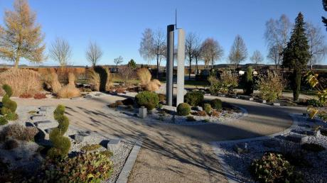 Auf dem Eglinger Friedhof (im Bild das Urnenfeld) muss erweitert werden.