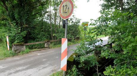 Die Brücke über die Paar in Hattenhofen ist sanierungsbedürftig.