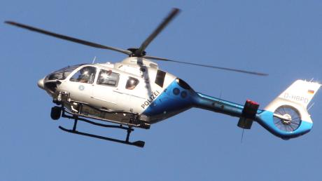 Am Donnerstagmorgen war bei Entraching ein Polizeihubschrauber unterwegs, auf der Suche nach einem möglicherweise verletzt herumirrenden Autofahrer.