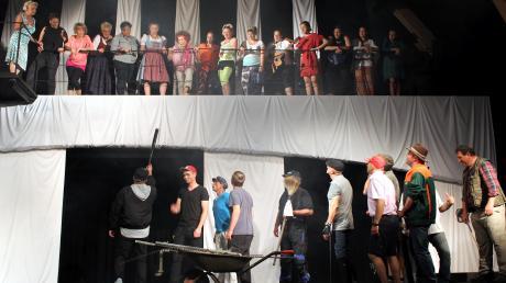 """Heute beginnt in Heinrichshofen wieder die Sommertheatersaison. Heuer steht """"Lysistrata"""" nach Aristophanes auf dem Programm."""