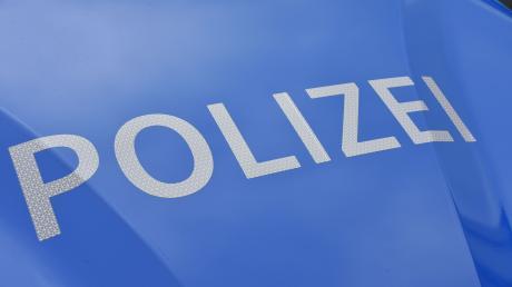 Bei einem Unfall auf der B17 bei Unterdießen sind heute Vormittag zwei Frauen leicht verletzt worden.
