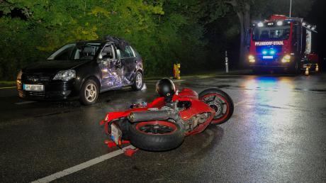 Zu einem schweren Verkehrsunfall kam es am Abend bei Issing.
