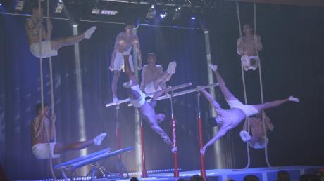 Nicht nur Akrobatik gab es beim Showabend in Prittriching. Der Turnverein bot wieder einen kurzweiligen Abend.