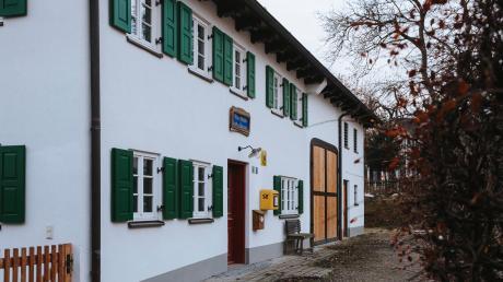 Iris Bauer und Karl Wilhelm haben das alte Anwesen ihrer Familie in Holzhausen renoviert und modernen Wohnkomfort darin einziehen lassen.