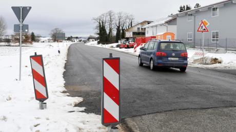 Die Staatsstraße zwischen der B17 und Kinsau kann wieder befahren werden. Die Arbeiten konnten früher als erwartet beendet werden.
