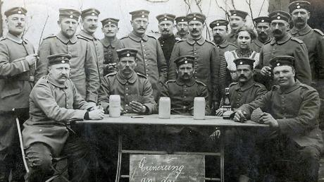 Veteranen- und Reservistenvereine erinnern an die Opfer von Kriegen. Doch die Zahl der Mitglieder sinkt bayernweit. Unser Foto zeigt Veteranen des Ersten Weltkriegs bei ihrer Rückkehr nach Ludenhausen.