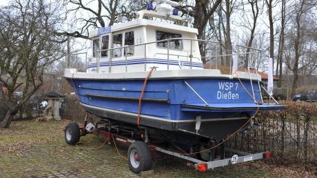 Das DießenerPolizeiboot befindet sich momentan im Winterlager in der Werft in Stegen.