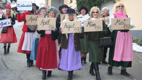 """Auch die """"Apfeldorfer Kalender-Girls"""" gingen beim Faschingsumzug mit."""