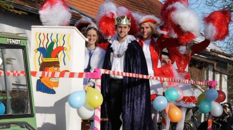 Das Prinzenpaar Ramona Kaindl und Lukas Bosch in heuer etwas weniger femininer Begleitung.