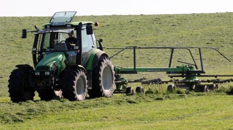 Der Bauer auf dem Traktor: Bald ein Bild aus der Vergangenheit, wenn Roboter und Drohnen zum Einsatz kommen?