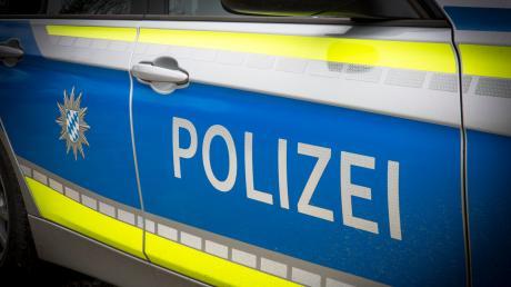 Im Landkreis Landsberg flüchtete ein betrunkener Autofahrer bei einer Verkehrskontrolle vor der Polizei. Nach einer rasanten Verfolgungsjagd wurde der Greifenberger gestellt.