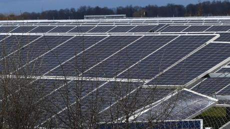 Auf einem Solarfeld bei Egling hat es gebrannt.