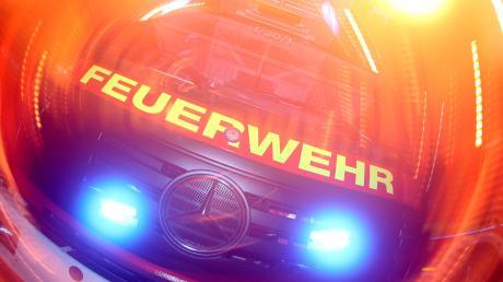 Bei der Feuerwehr Denklingen steht der Kauf einer neuen Vereinsfahne an. Auch im operativen Geschäft ist einiges zu tun.